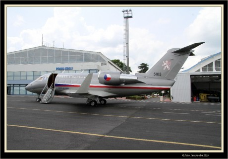 Challenger CL-601 06