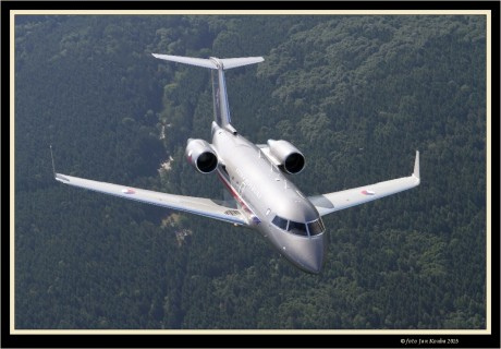 Challenger CL-601 10